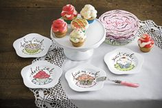 Cupcake dessert plates. Great for gift giving.