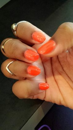 So obsessed with this length! Finally found a decent length BUT I will always have my favorite Rihanna Claws For The Summer ♡ Brooklyn, Greenpoint nails. Short Round Nails, Brooklyn Food, Fitness And Beauty Tips, Orange Nails, Nails Inspiration, Summer Nails, Claws, Rihanna, Hair And Nails