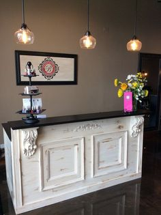 Small salon receptionist desk White Bar Retail Counter Reception Desk Kitchen By Jamesrobinson Duanewingett Tuscan French Bar Retail Counter Reception Desk Kitchen Island Clothing Boutique Interior, Boutique Interior Design, Boutique Decor, Döner Restaurant, Retail Counter, Store Counter, Room Deco, Grooming Salon, Salon Design