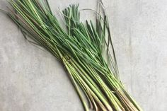 How to use lemongrass in DIY skincare | littlegreendot.com