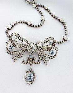 Bow Jewelry, Jewlery, Jewelry Design, Fashion Jewelry, Blue Diamond Necklace, Antique Jewelry, Vintage Jewelry, Museum Studies, Aquamarines