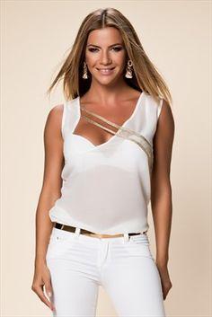 Emporium Fashion Week - Ivana Sert - Beyaz Bluz FM-1019 %60 indirimle 29,99TL ile Trendyol da