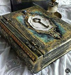 Handmade Journals, Handmade Books, Handmade Notebook, Altered Books, Altered Art, Book Cover Design, Book Design, Book Art, Magic Book