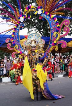 Extravagant Betawi: Betawi themed defile walked down the 3.6 street runway accompanied by Betawi famous traditional tunes such as Si Jali-Jali. (Photo by Icha Rahmanti)