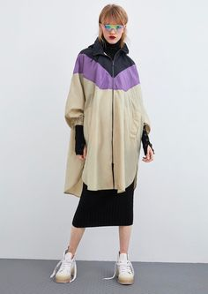 ZARA - Female - Packable block color raincoat - Only one - L-xl Cute Raincoats, Stylish Raincoats, Raincoats For Women, Baby Raincoat, Raincoat Outfit, Girl Fashion, Womens Fashion, Fashion Design, Fashion Trends