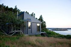 Maine Island House, by Alex Scott Porter Architecture + Design Off Grid House, Off Grid Cabin, Cottages By The Sea, Cabins And Cottages, Small Cottages, Style At Home, Casas Containers, Tiny Cabins, Modern Cabins