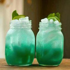The largest social media gathering of drinking enthusiasts in the world. Take a look at our delicious, bright and creative drinks and get mixing! Mango Daiquiri, Mixed Drinks Alcohol, Blue Drinks, Drink Photo, Tipsy Bartender, Blue Curacao, Mai Tai, Yummy Drinks, Mix Drinks