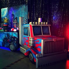 👾Transformers Party👾 the uber cool truck dessert table and backdrop by LED up lights Desserts by Cake by Venue Taken by designplanplay on Saturday June 2015 Birthday Party Desserts, 6th Birthday Parties, Birthday Bash, Birthday Ideas, Transformers 4, Optimus Prime, Olaf, Rescue Bots Birthday, Transformers Birthday Parties