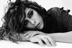 Nadia Hilker Nadia Hilker, Dreadlocks, Celebrities, Hair Styles, Beauty, Sagittarius, Faces, Books, The 100