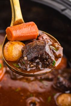 If you're looking for a tender beef stew that's been kicked up a notch or two with a rich red wine base then this Crockpot Beef Bourguignon is for you! Slow Cooker Recipes, Crockpot Recipes, Soup Recipes, Cooking Recipes, Crockpot Dishes, Easy Recipes, Loaded Cauliflower Casserole, Vegetable Casserole, Crockpot Beef Bourguignon