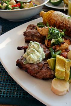 Churrasco de boeuf, maïs à la mayonnaise et Chimichurri sauce - See more at: http://www.chezbeckyetliz.com/2014/06/churrasco-de-boeuf-mais-a-la-mayonnaise-et-chimichurri-sauce.html#sthash.xE4zvStv.dpuf