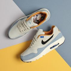 Nike Air Max 1 Ultra Essential Light Bone Bluecap Beauty 819476-009 Best Sneakers, Air Max Sneakers, Sneakers Fashion, Shoes Sneakers, Fashion Shoes, Air Max 1, New Nike Air, Nike Air Max 90s, Vintage Nike