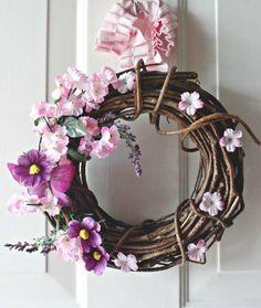 Easiest Spring Wreath | AllFreeHolidayCrafts.com