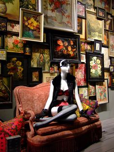 still life, pinned by Ton van der Veer - love it as a retail display concept Fashion Merchandising, Retail Merchandising, Retail Windows, Store Windows, Fashion Displays, Store Window Displays, Visual Display, Window Design, Retail Shop