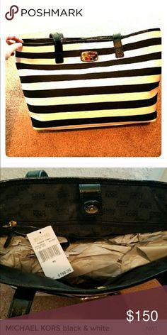 👜 Authentic Michael Kors Tote 👜 BNWT Michael Kors black and white striped large tote bag. Michael Kors Bags Totes