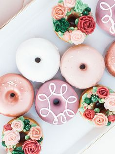 Whimsical Al Fresco Dinner Party with Pink Sweets ⋆ Ruffled Dinner Party Desserts, Wedding Desserts, Wedding Cakes, Wedding Donuts, Delicious Donuts, Delicious Desserts, Dessert Recipes, Cake Recipes, Mini Donuts