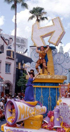 "When the Hercules - Zero to Hero Victory Parade rolled into Disney's Hollywood Studios today back in it once and for all answered the question ""Who puts the glad in gladiator?"" – it's Hercules."