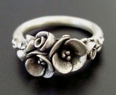 Tiniest Bouquet of Poppies  SmallSized Ring  by jennykim on Etsy