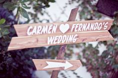 love this unique directional sign // photo by KrashingMotions Photography