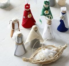 Christmas craft idea How to make a nativity scene is part of Christmas crafts Nativity - Create a festive scene for all the family to enjoy with this stepbystep guide to make your own nativity scene Homemade Christmas, Christmas Art, Christmas Projects, Christmas Decorations, Christmas Ornaments, Felt Ornaments, Nativity Ornaments, Diy Christmas Nativity Scene, Christmas Crib Ideas