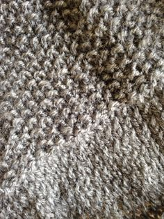 A straightforward sweater in a single half -DIY Tricot- – The grey tree Cable Knitting, Easy Knitting, Knitting For Beginners, Knitting Patterns Free, Free Pattern, Pull Crochet, Hand Crochet, Tutu Rock, Boyfriend Crafts