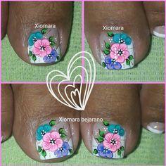 "182 Me gusta, 3 comentarios - Xiomara Bejarano (@xiomara.bejarano) en Instagram: ""🙏☺☝💅❤👏 gracias padre Celestial 💕"" Spring Nails, Summer Nails, Pedicure Nails, Mani Pedi, Kylie Lipstick, Bella Nails, French Pedicure, Floral Nail Art, Toe Nail Designs"