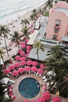 Hawaii's Most Luxurious and Instagram-Worthy Hotel Is Basically a Pink Palace