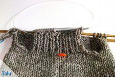 Crochet Pattern Free, Easy Crochet, Knit Crochet, Crochet Patterns, Dog Sweater Pattern, Crochet Dog Sweater, Small Dog Sweaters, Baby Sweaters, Crochet For Beginners