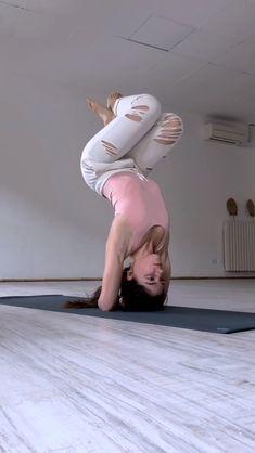 Vídeos yoga Yoga Inversions, Yoga Moves, Ashtanga Yoga, Yoga Sequences, Fitness Workouts, Yoga Fitness, Yin Yoga, Yoga Meditation, Body Women