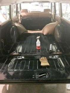 How to Soundproof a Jeep Grand Wagoneer Do you have a Jeep Grand Wagoneer? If so, the main soundproofing you have are two small felt… Jeep Fenders, Cherokee Chief, Jeep Wagoneer, Cool Jeeps, Jeep Gladiator, Sound Proofing, Jeep Wrangler, Jeep Jeep, Jeep Grand
