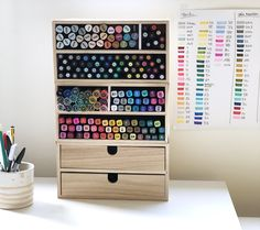 Make a felt storage Rangement Art, Craft Cabinet, Pencil Boxes, Craft Organization, Box Design, Tricks, Room Decor, Storage, Princess Room