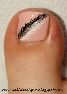 41 Ideas for pedicure designs feather Cute Toe Nails, Hot Nails, Fancy Nails, Pretty Nails, Hair And Nails, Easy Toe Nails, Pink Toe Nails, Pretty Toes, Pedicure Nail Art