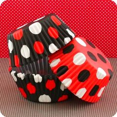 Cute Cupcake Liners-how cute would these be for a ladybug party for a little girl? Polka Dot Cupcakes, Ladybug Cupcakes, Ladybug Party, Love Cupcakes, Cupcake Cookies, Cupcake Cases, Cupcake Liners, Cupcake Wrappers, 40th Birthday Parties