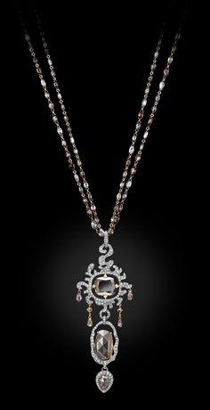 Diamond necklace by Carnet