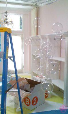 DIY Bubble Chandelier. So neat.
