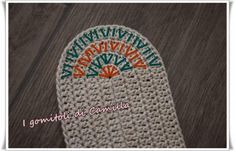 See related links to what you are looking for. Crochet Sole, Crochet Purses, Crochet Granny, Crochet Bags, Knit Crochet, Crochet Diagram, Crochet Chart, Crochet Patterns, Camilla