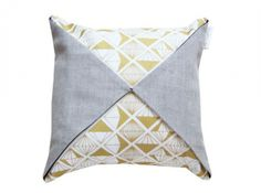 coussin origami hello pillow