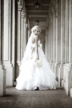 .I dont really like the dress but what a BEAUTIFUL picture!!