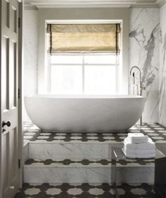 Via http://vivafullhouse.blogspot.com/2010/12/details-in-bathroom.html    This is my dream bath. The floor is amazing. The tub! Is incredible.