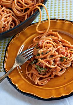 Creamy Spinach and Tomato Spaghetti (3 Easy Spaghetti Recipes for Busy Weeknights)