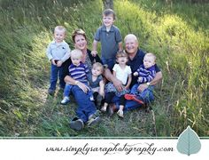 Family Photo Ideas & Poses with Kids & Grandparents
