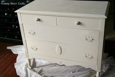 Hometalk :: French Graphic Painted Dresser