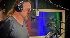 Country Music Lyrics - Quotes - Songs Trace adkins - Trace Adkins Joins Country Legends For Gospel Collaboration That Will Have You Yelling Hallelujah - Youtube Music Videos http://countryrebel.com/blogs/videos/trace-adkins-joins-country-legends-for-gospel-collaboration-that-will-have-you-yelling-hallelujah