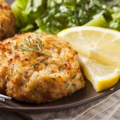 Copycat Red Lobster Crab Cakes With Nonfat Plain Greek Yogurt, Minced Garlic, Eggs, Prepared Mustard, Ground Ginger, Sweet Paprika, Bay Leaves, Onion Powder, Sea Salt, Ground Black Pepper, Lump Crab Meat, Plain Breadcrumbs, Canola Oil