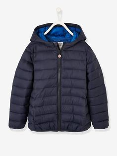 Ready for recess or impromptu strolls! This lightweight hooded jacket is super practical whatever the season: a must-have! We love this jacket's colours, perfec Winter Maternity Outfits, Winter Outfits, Boy Walking, Sous Pull, Tie Shoelaces, Christmas Leggings, Stylish Boys, Short Socks, Padded Jacket