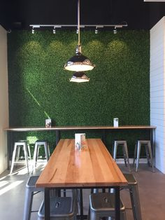 46 Pro Artificial Grass Ideas to Look Into inspiratifdesign com is part of Restaurant interior - Restaurant Interior Design, Shop Interior Design, Cafe Design, Restaurant Facade, Juice Bar Design, Decoration For Ganpati, Pastel Interior, Café Bar, Coffee Shop Design