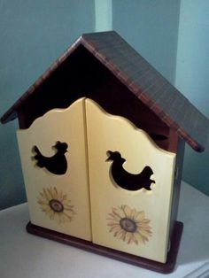 Arte Country, Pintura Country, Decoupage, Woodworking Plans, Ideas Para, Toy Chest, Wood Working, Storage, Day