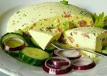 Domácí sýr s bylinkami a kousky salámu Avocado Toast, Dairy, Butter, Cheese, Snacks, Meat, Breakfast, Ethnic Recipes, Food