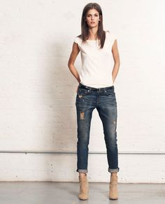 skinny boyfriend jean = perfect I like this a lot! I Love Fashion, Denim Fashion, Fashion Outfits, Fashion Shoes, Girl Fashion, Spring Summer Fashion, Autumn Winter Fashion, Casual Outfits, Cute Outfits
