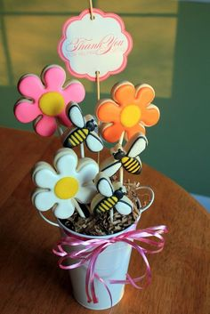 "Teacher Appreciation:  ""Thank You for Helping Me Grow"" cookie bouquet  {printable by Love The Day}"